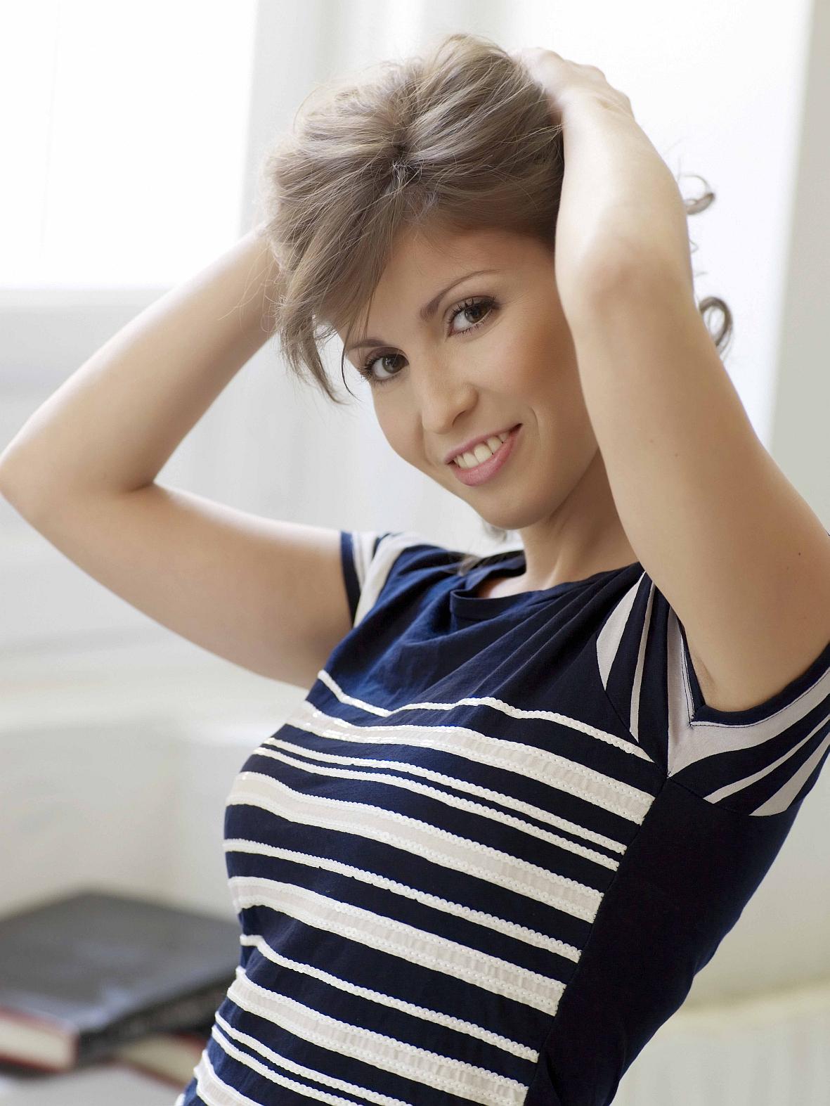 Wie das eingewachsene Haar nach der Epilation zu behandeln